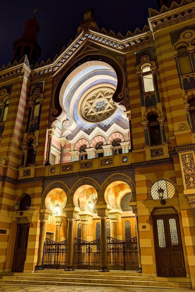Noční Praha, Jubilejní synagoga - IMG-6438.jpg